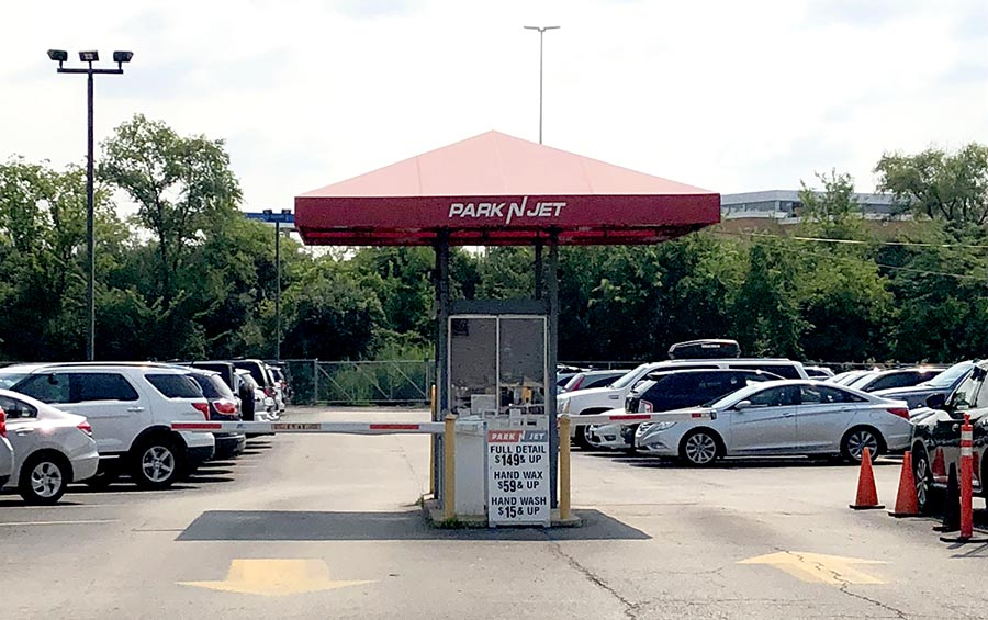 Chicago O'Hare parking | 6 tips on cheap long term ORD airport parking. Last updated: July 16, This post may contain affiliate links. Purchases from sites we suggest may earn us a small commission (at no extra cost to you) Read more.